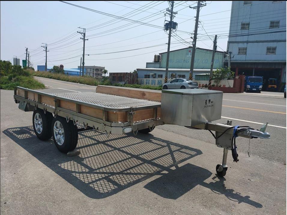 雙軸框式拖車(附車頂帳架)