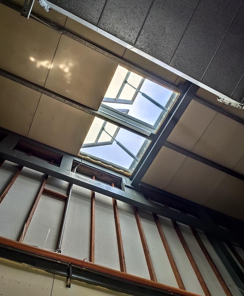 屋頂排煙窗