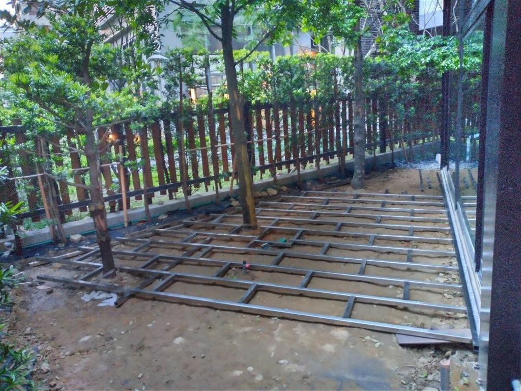 塑木地板施工