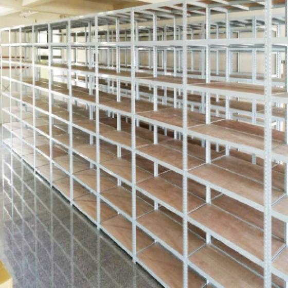 多層置物增加儲位空間