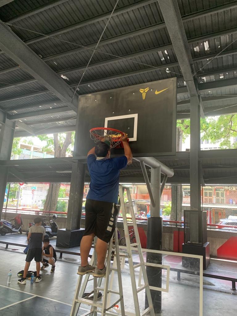 籃球板施做/壓克力/玻璃纖維