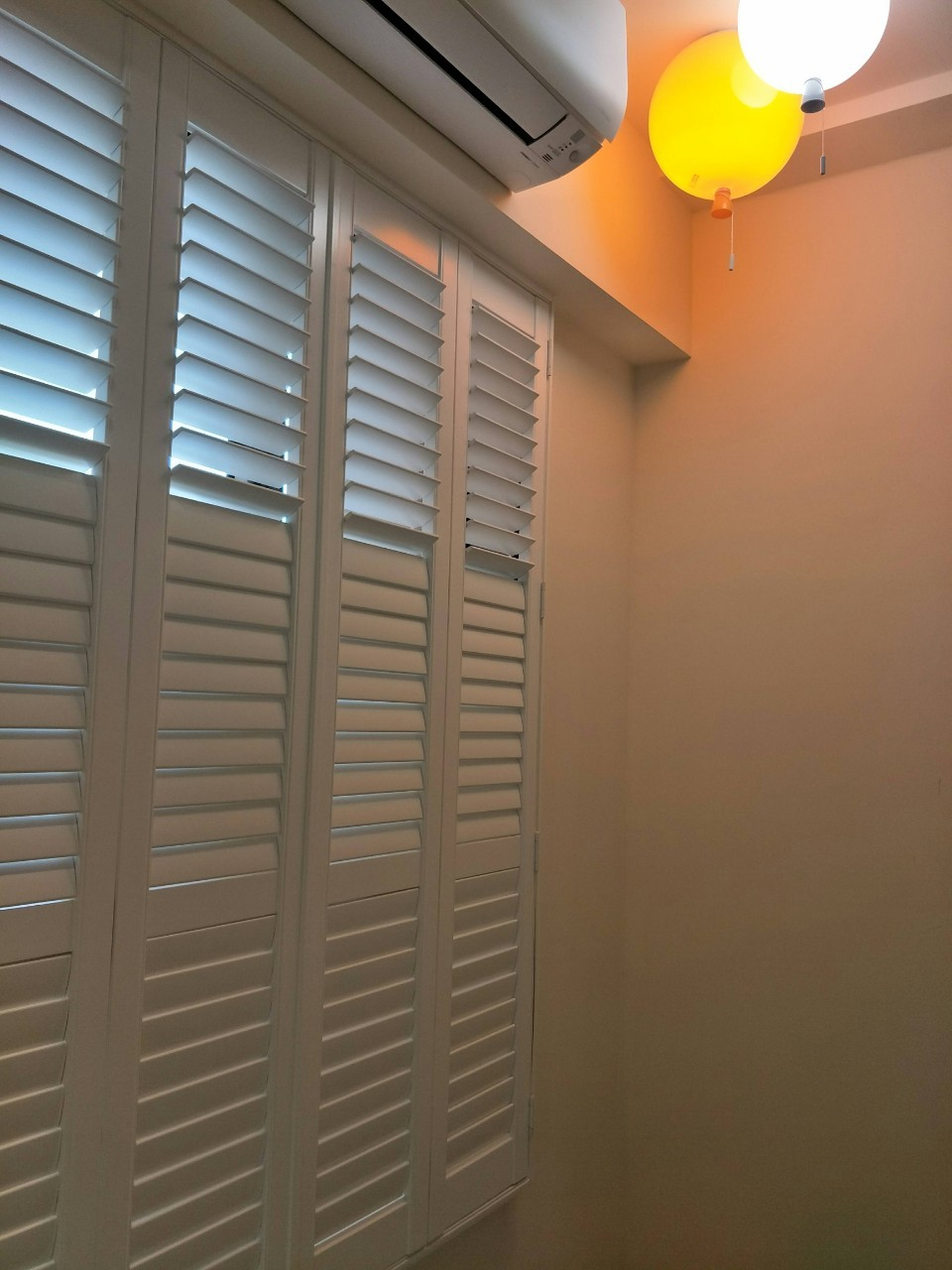 木質框型百葉窗