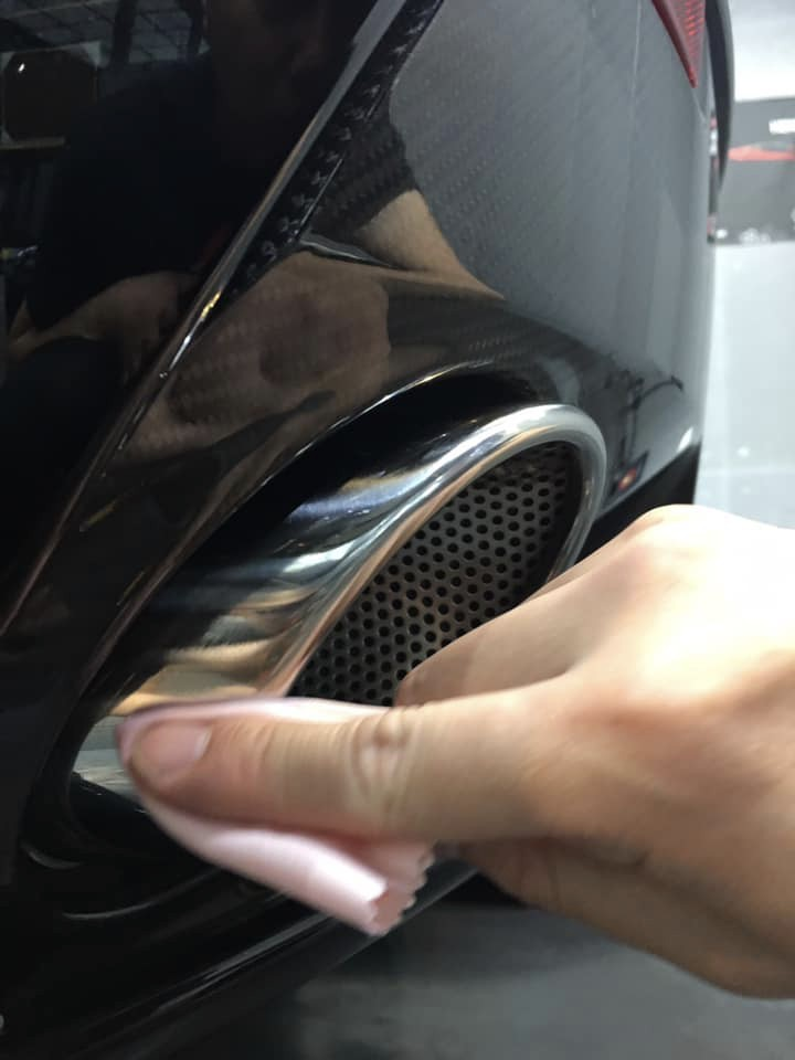 Aston Martin Vantage V12S Hendlex Coating