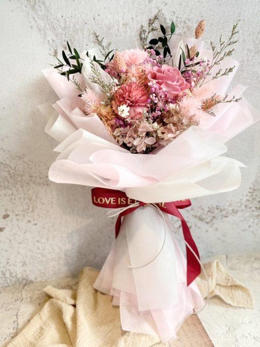 母親節花束-少女心草莓色系永生康乃馨花束