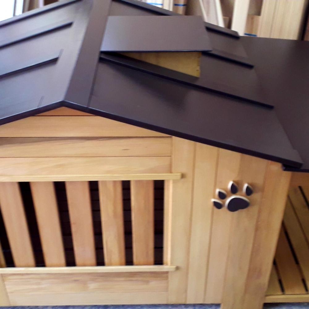 厚實堅固的狗屋別墅