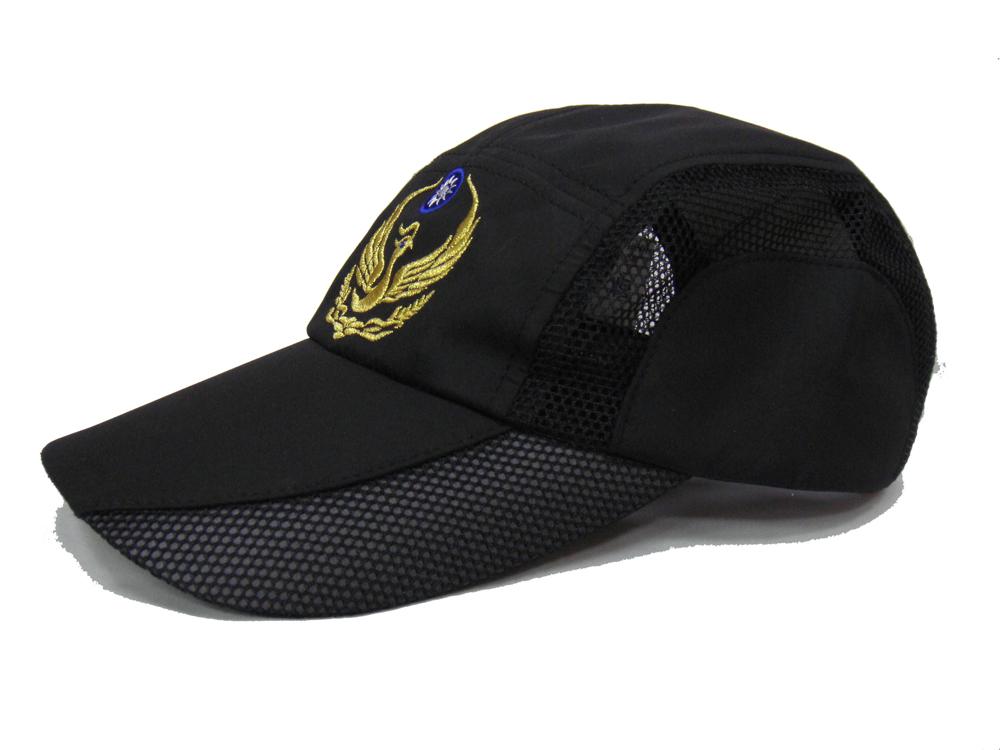 黑色透氣鴨舌帽