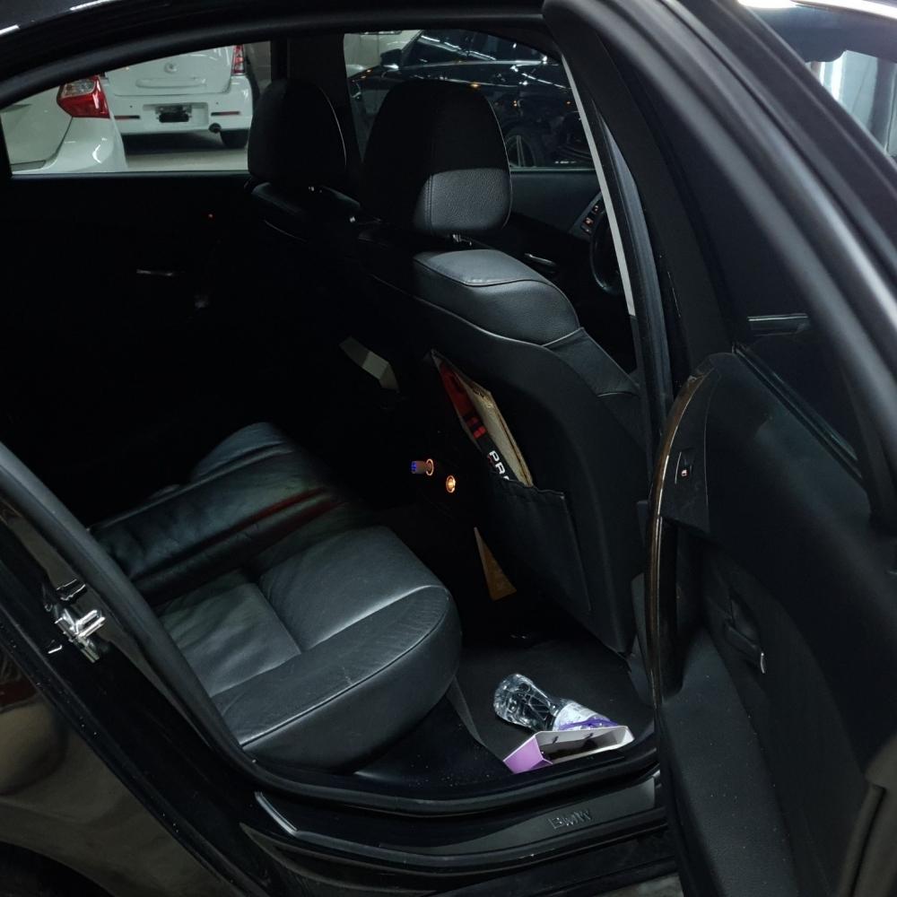 2005-BMW 523I(E60)-黑