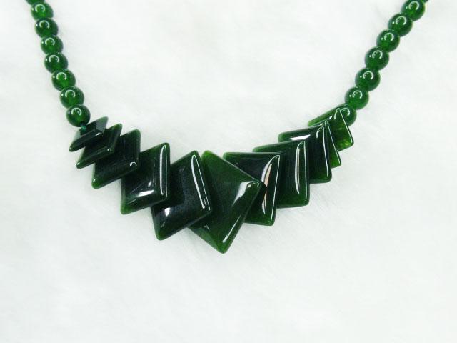 超翠綠馬來玉項鍊