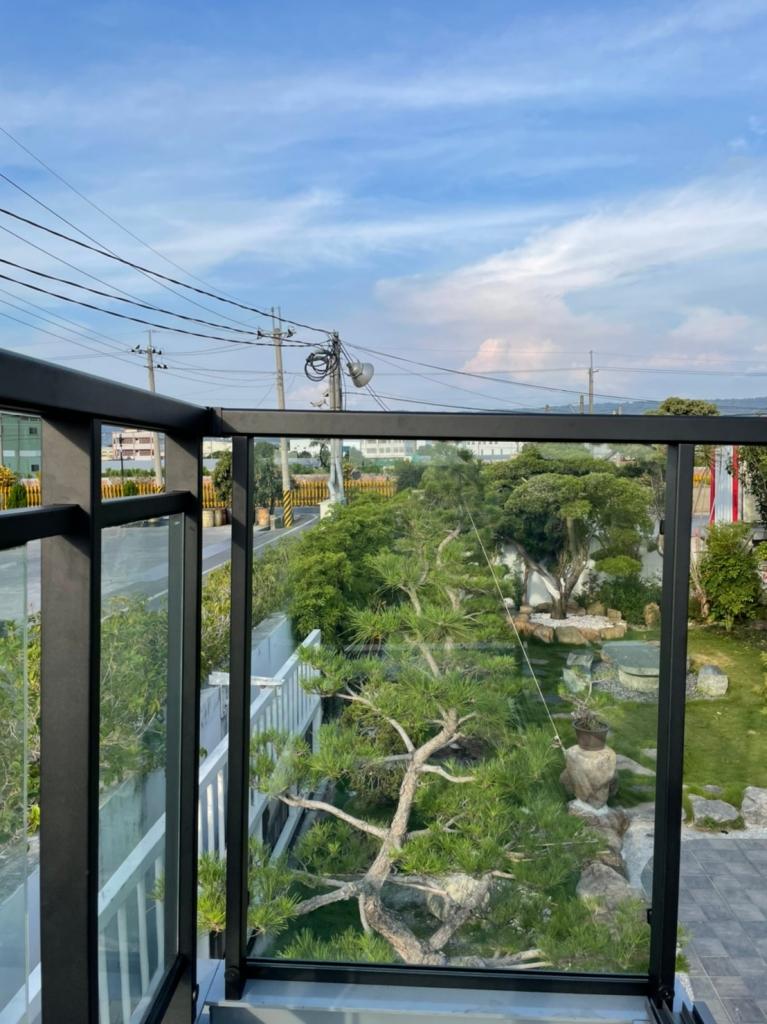 不鏽鋼陽台玻璃欄杆藍天系列