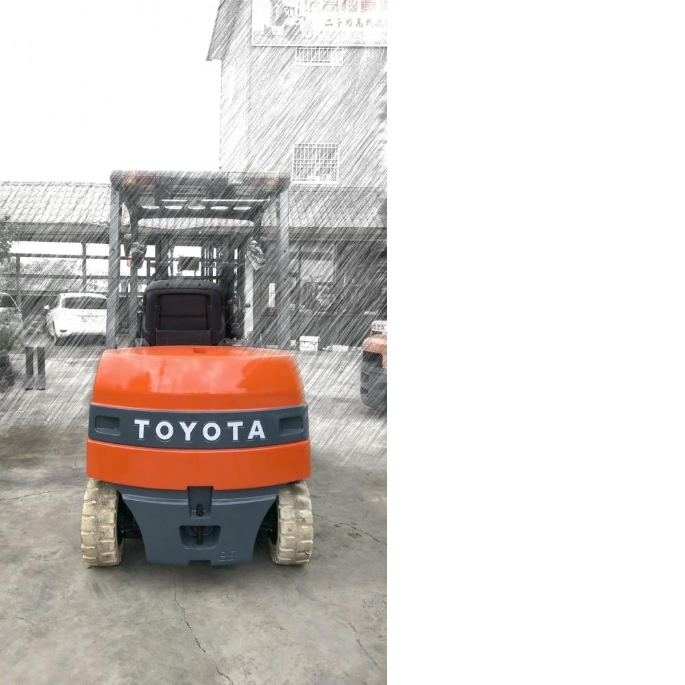 TOYOTA 第七代 2.5噸 座式 電動堆高機