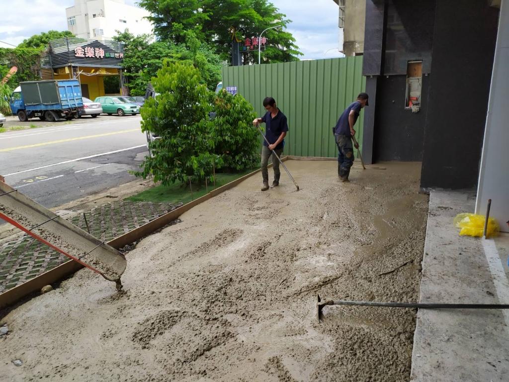 植草磚鋪設